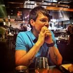 Francis de TrancheDePain.com qui attend le verdict du vin