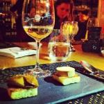 Poêlée de foie gras, pain brioché doré aux pommes et sirop d'érable et Terrine de foie gras aux figues, croutons de pain brioché