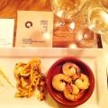 Duo de calmars grillé au paprika fumé et crevettes épicées à l'ail et au vin blanc