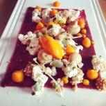 L'entrée de Miss Papila - carpaccio de wapiti avec tofu maison (!!!) et argousier (ah, les tendances!)