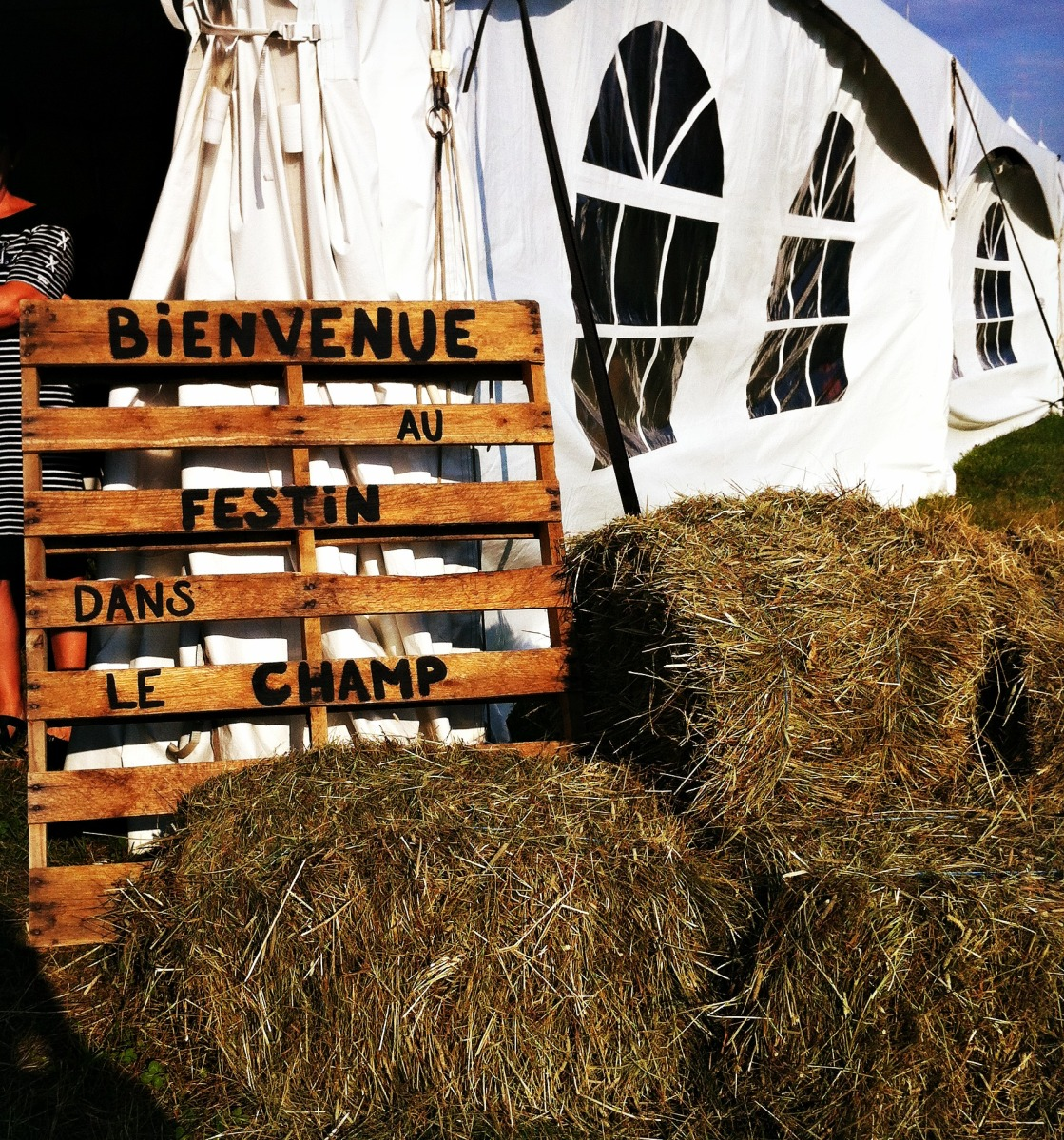 Bienvenue au Festin dans le champ!