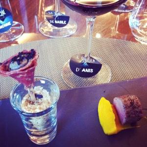 Agneau, saucisson épicé, mousse de foie, olive noire... Avec L'Olivier d'Anis, mon accord préféré de la soirée.