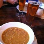 La Barberie a concocté une soupe aux pois spécialement pour la visite, en hommage aux ouvriers et travailleurs d'autrefois