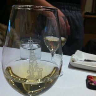 Arrêt au Clocher Penché: huîtres et vin québécois