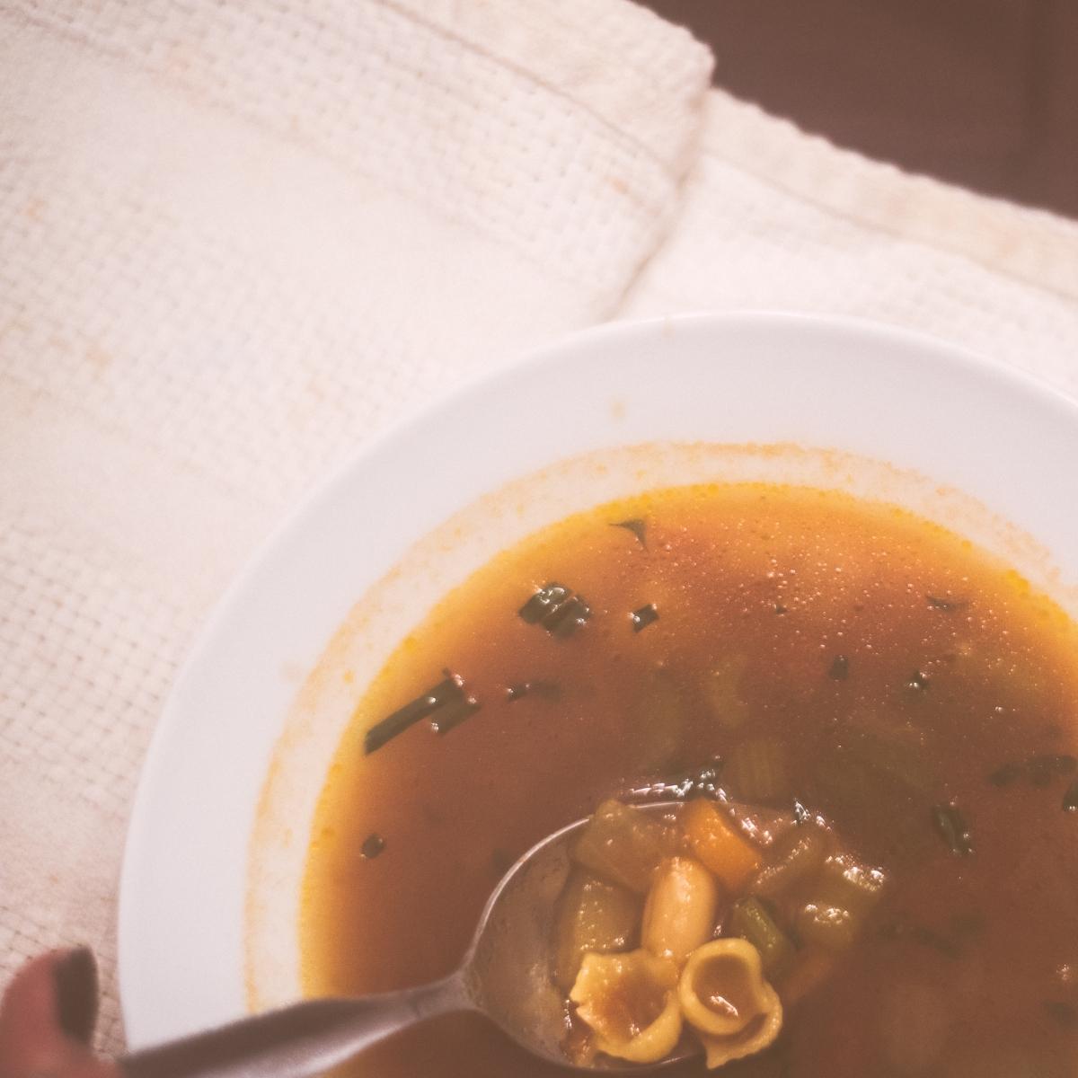 Soupe aux légumes - réconfort d'automne (et d'hiver!)