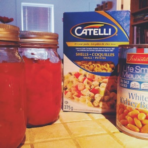 Tomates en pot maison, haricots blancs et petites pâtes (pourquoi pas des pâtes alphabet pour les enfants?)