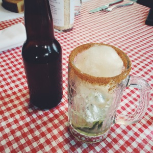 Bière d'épinette maison, whisky et érable