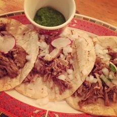 Les tacos al pastor - généreux, savoureux... parfaits!