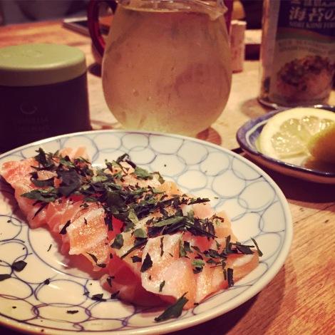 Sashimis de saumon saupoudré de tencha