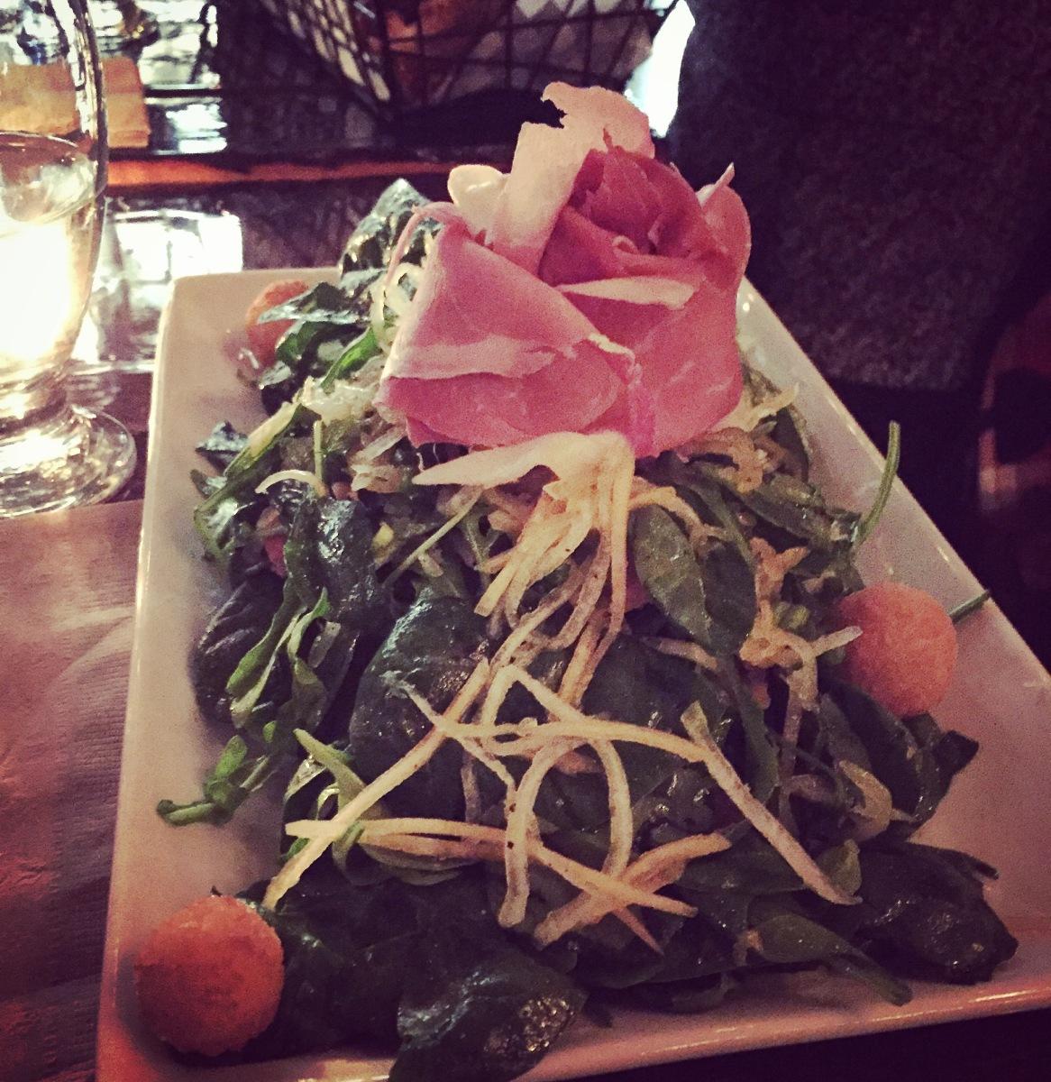 Une des salades-repas - avouez que la présentation est MAGNIFIQUE!