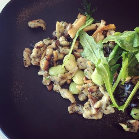 Spaetzles aux champignons sauvages, fèves de lima, kale et fromage Le Secret de Maurice