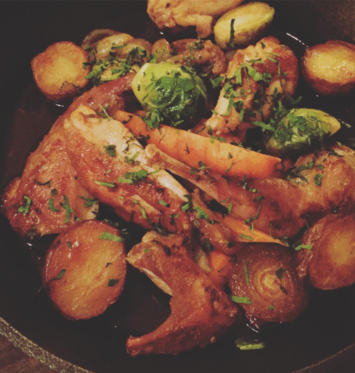 Perdrix confite et poêlée, Râgout de pomme de terres rattes, lardons, oignons