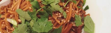 Sauté de nouilles asiatiques au dindon