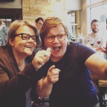 Mme Jeanjean, en compagnie de la blogueuse Allison Van Rassel de CaGouteBon.ca/